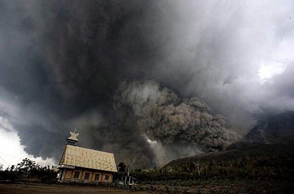 Wybuch wulkanu Sinabung