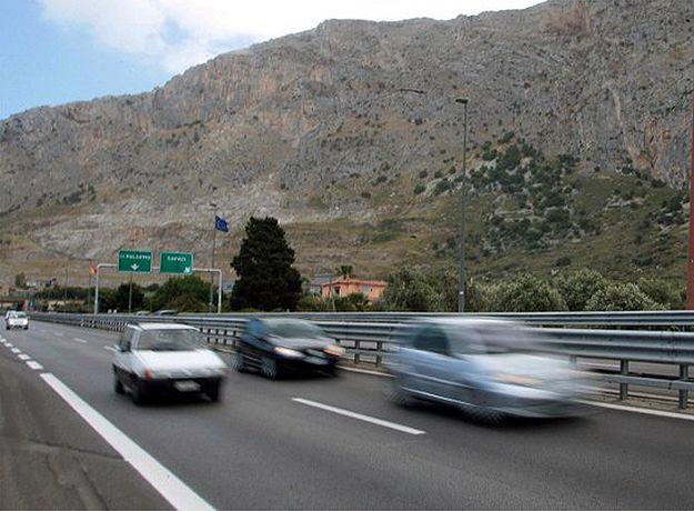 Sycylia podzielona na pół. Autostrada łącząca Palermo i Katanię nieprzejezdna