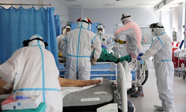 Koronawirus. Ministerstwo Zdrowia przekazało informacje dotyczące zakażeń COVID-19