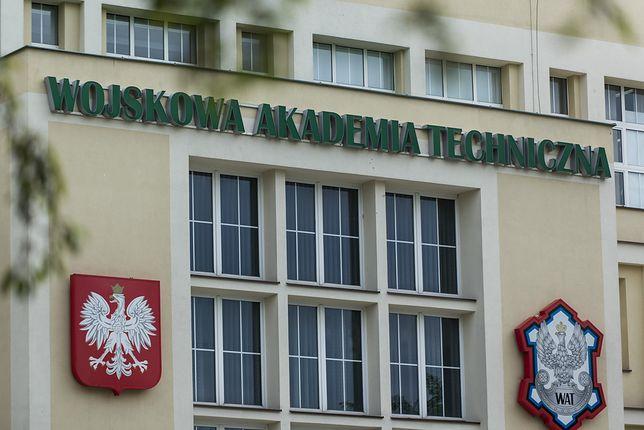 Osoby przebywające w jednym z akademików WAT są objęte kwarantanną.