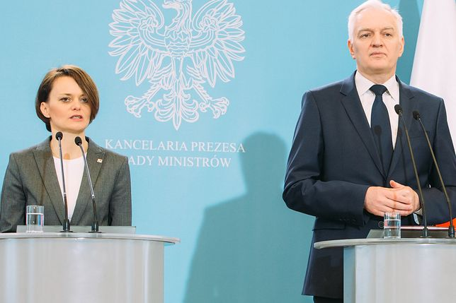 Jadwiga Emilewicz i Jarosław Gowin na celowniku związkowców