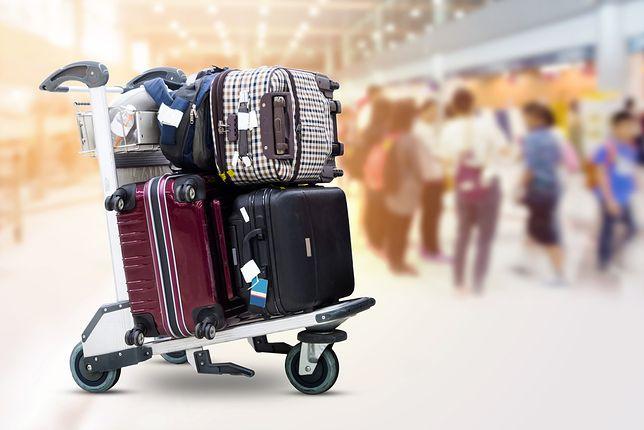 Przed wybraniem się w podróż samolotem najlepiej zważyć bagaż