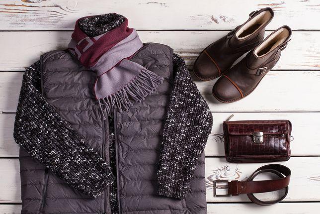 Sweter i dopasowany kolorystycznie szalik będą pasować do bezrękawnika
