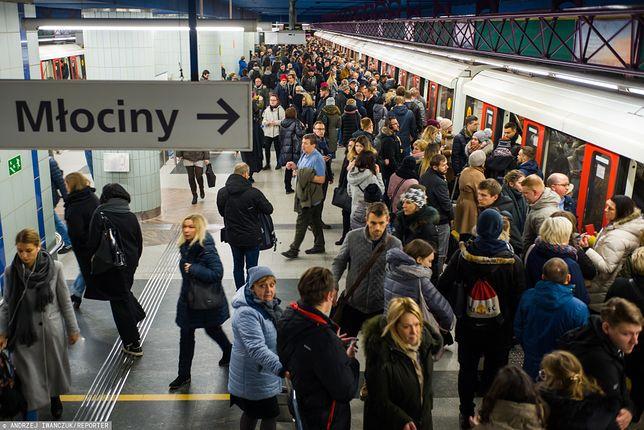 Warszawa. Stacja I linii metra Świętokrzyska