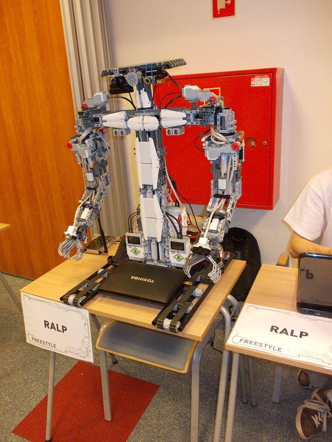 Robot RALP