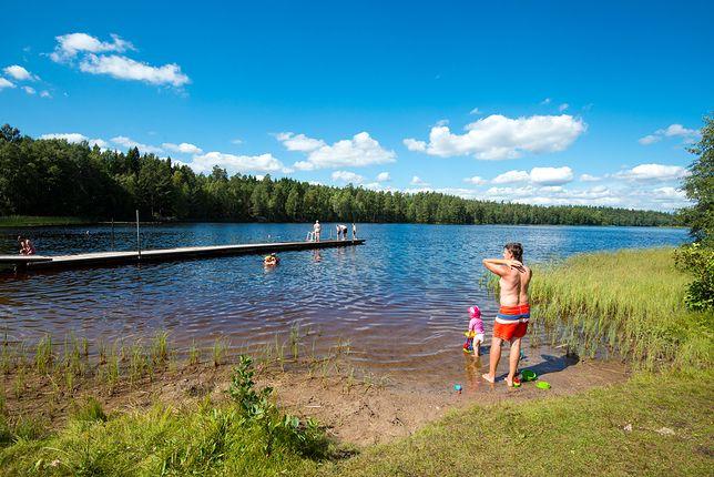 """""""Jest tak gorąco, że wykupiono chyba wszystkie klimatyzatory i wiatraczki w okolicy"""" - mówi Abraham Adjemian ze szwedzkiego miasta Västerås"""