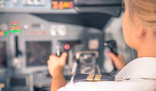 Drzemka w kokpicie samolotu