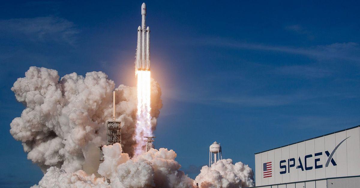 USA. SpaceX wysłał pierwszych turystów w kosmos. Spędzą kilka dnia na orbicie okołoziemskiej