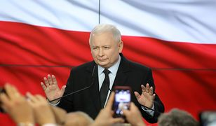 Wyniki wyborów 2019. Dlaczego Jarosław Kaczyński pokazywał niezadowolenie? Ekspert mowy ciała rozszyfrowuje polityka.