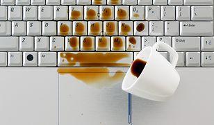 Laptop zalany wodą - co robić?
