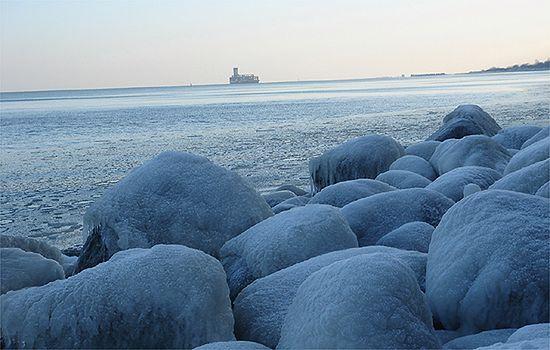 Zamarznięta plaża - zdjęcia Internautów