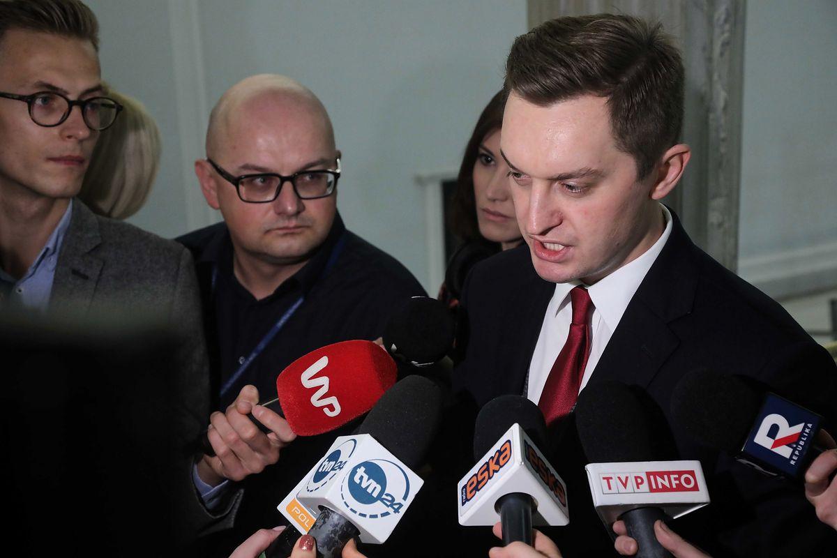 Minister uderza w sędziów. Sebastian Kaleta: jeżdżą na wycieczki za granicę i skarżą się