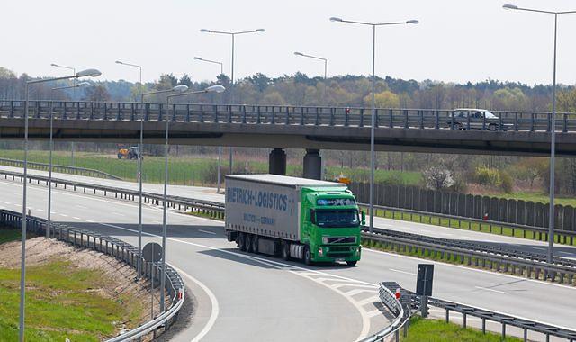 W czwartek i piątek ograniczenia w ruchu ciężarówek