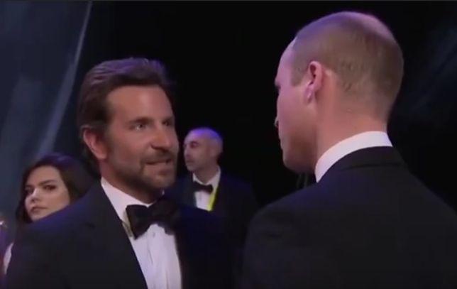 Bradlej Cooper i książę William podczas gali BAFTA 2019