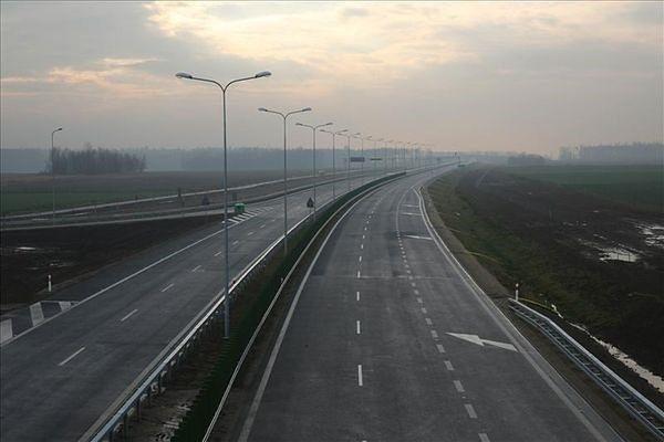 Podpisano umowę na dwa odcinki drogi ekspresowej S17