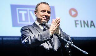 Jacek Kurski może otwierać szampana: TVP znowu wygrywa!