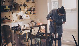 Czasem wymagam więcej od siebie niż klient – Rozmowa z Sylwią Biegaj, prowadzącą pracownię tapicerską