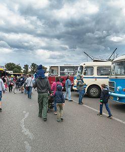 Warszawa. Nietypowe tramwaje i autobusy. Rozpoczynają się Dni Transportu Publicznego 2021
