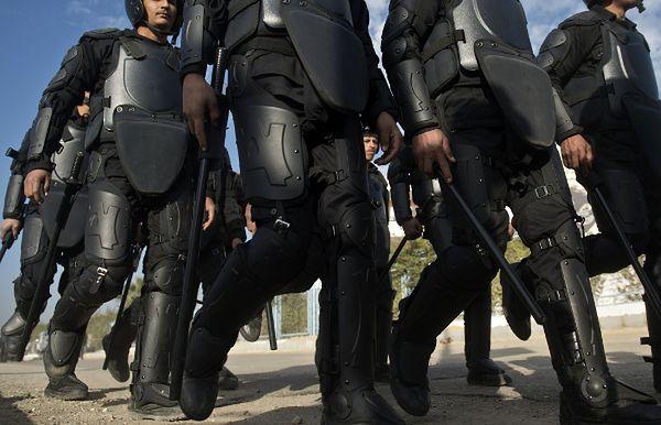 Egipska policja do tłumienia zamieszek