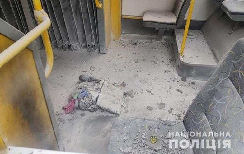 Wrzucił koktajl Mołotowa do pojazdu komunikacji miejskiej. Pasażerka zaczęła płonąć