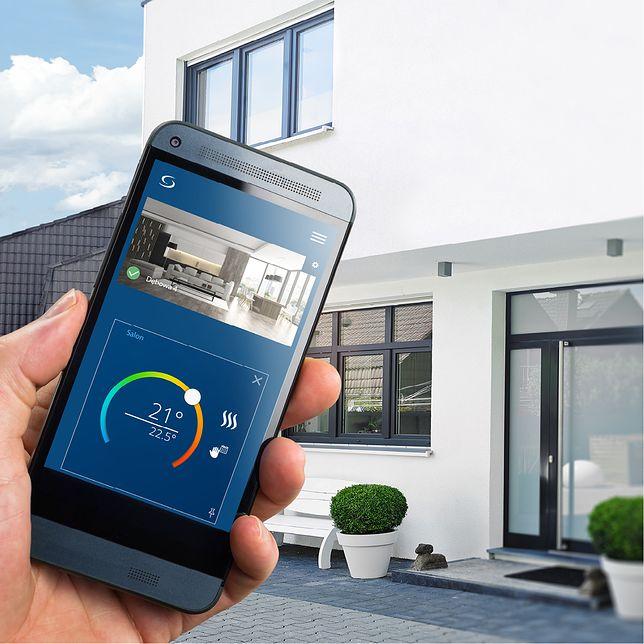 Aplikacja SALUS Smart Home umożliwia pełną kontrolę nad domem z dowolnego miejsca na świecie, tylko przy użyciu smartfona.