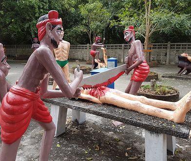 Rzeźby prezentują różne rodzaje tortur, a każda kara odpowiada jednemu typowi grzechów popełnionych za życia
