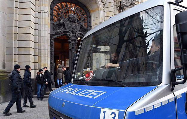 Policja przed sądem w Berlinie