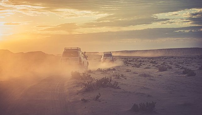 Jednym z elementów programu był przejazd jeepami przez wydmy na Saharze w pobliżu Ong Jmel