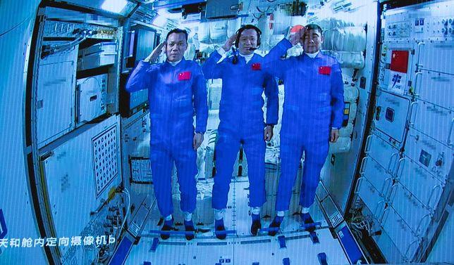 Chińscy astronauci po raz pierwszy weszli na nową, narodową stację kosmiczną
