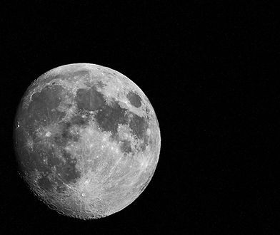 Chiny zamierzają wysłać lądownik na niewidoczną półkulę Księżyca