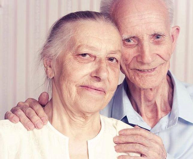 Mąż i żona przeżyli razem 67 lat. Umarli niemal w tym samym czasie
