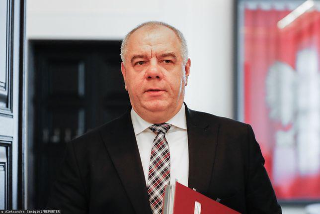Koronawirus w Polsce. Jacek Sasin: do smoleńska 10 kwietnia poleci m.in. premier