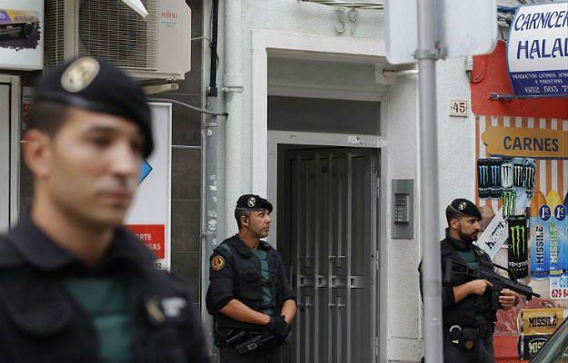 Zatrzymane w Barcelonie osoby przez internet werbowały ochotników gotowych wyjechać do Syrii