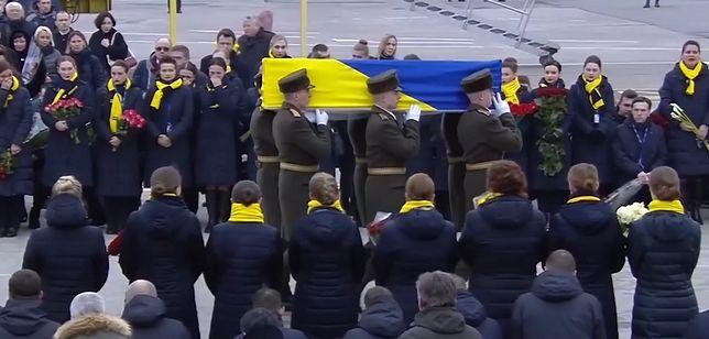 Ukraina. Samolot z ciałami ofiar katastrofy w Iranie przyleciał do kraju
