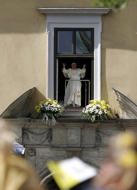 """""""Do zobaczenia w Rzymie, a jeśli Bóg pozwoli - to w Krakowie"""""""