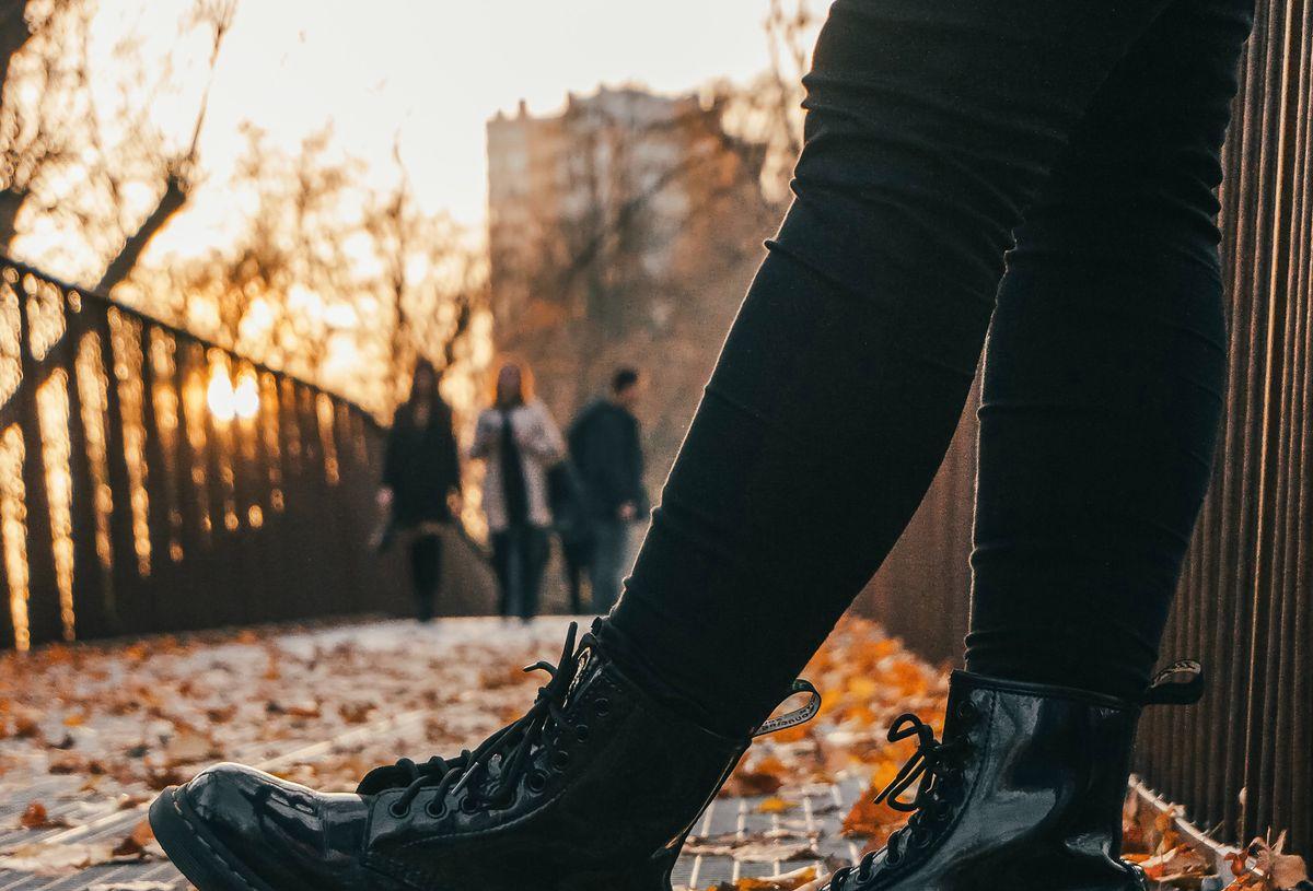 Czarne spodnie na jesień z Pepco