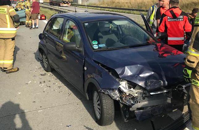 Wrocław. Wypadek na autostradzie A4. Zderzenie czterech samochodów, ogromny korek w Kostomłotach