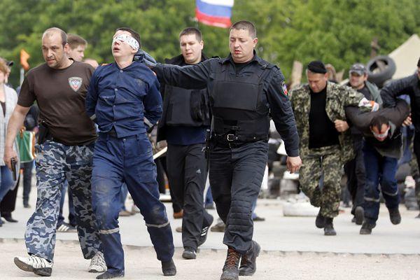 Prorosyjscy separatyści wyłapują swoich przeciwników i jednocześnie zastraszają mieszkańców Doniecka