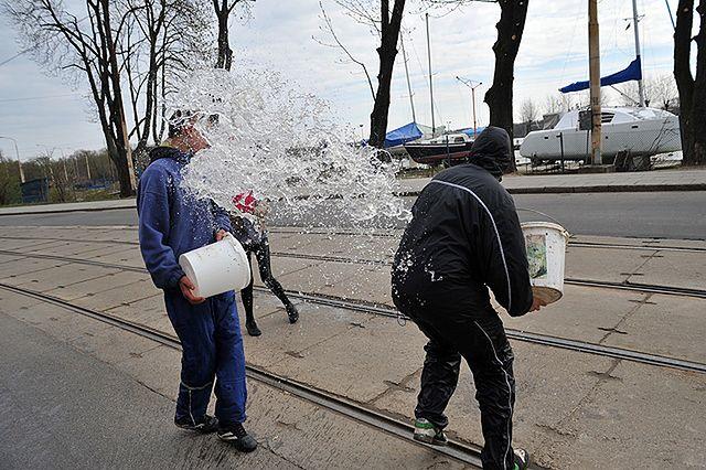 Policja ostrzega lejących wodą: nie przesadzajcie!