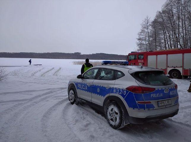 Choczewo. Lód nie wytrzymał, auto poszło na dno