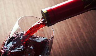 Rząd radzi, aby mężczyźni nie spożywali więcej niż trzy do czterech jednostek alkoholu dziennie, a kobiety od dwóch do trzech jednostek
