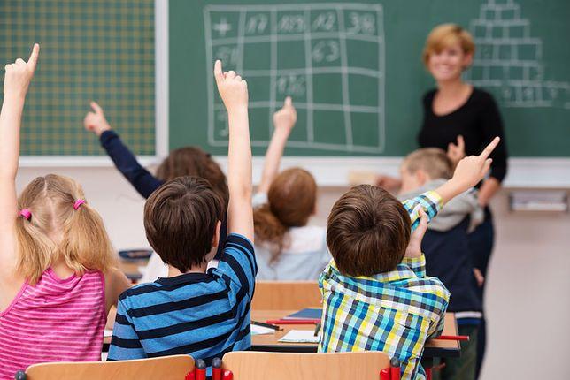 """Program nauczania """"Budząca Się Szkoła"""""""