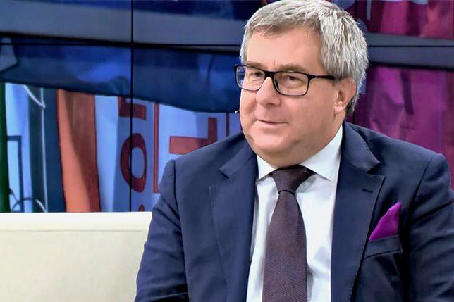 - Jak ktoś się liczy to trzeba w niego uderzać i krytykować - uważa Ryszard Czarnecki.