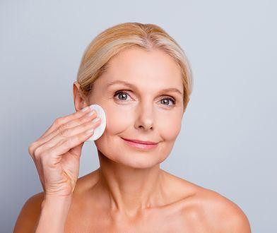 Dokładne oczyszczenie, ale też ochrona skóry i pielęgnacja - tak działa dobry tonik