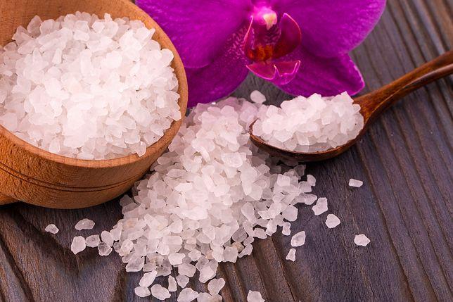 Sól gorzka Epsom dodana do kąpieli oczyści organizm z toksyn, zregeneruje mięśnie, a także wyreguluje funkcjonowanie układu nerwowego.