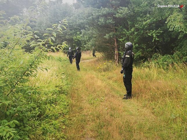 Tragedia w Borowcach. Ponad 200 policjantów przeczesuje teren pod Częstochową