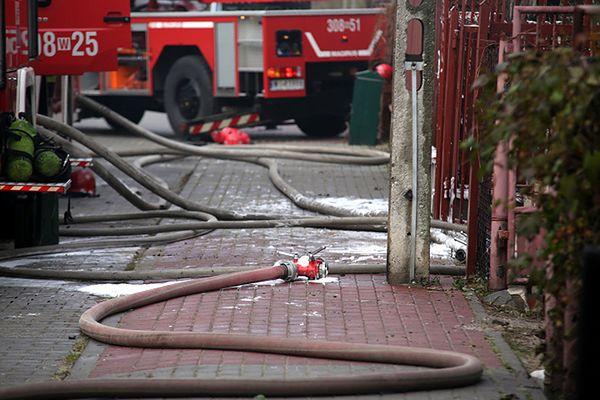 Zwęglone ciało mężczyzny znalezione w spalonym aucie na Dolnym Śląsku