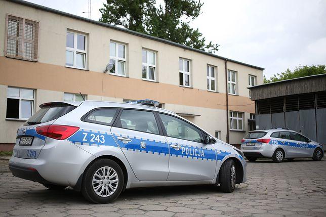 Poznań. Policjanci zatrzymali 18-latka. Groził nożem dostawcy pizzy / foto ilustracyjne