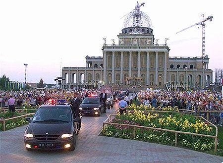 Jan Paweł II wolałby hospicjum zamiast apartamentów