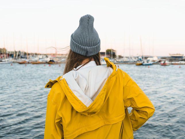 Przejściowa kurtka damska - jak wybrać najlepszą?